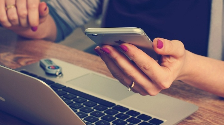 5 Reasons Why Mobile Banking is a Must